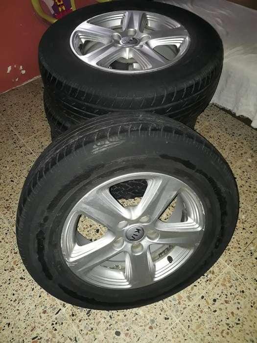 Vendo Aros con <strong>llanta</strong>s Usadas Del Kia Sp