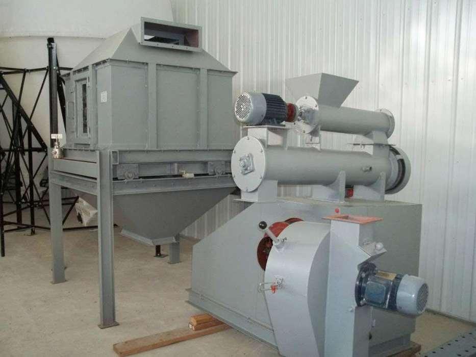 Peletizadora Concentrado Animal o Madera con Enfriadora Pellet 2 toneladas/hora