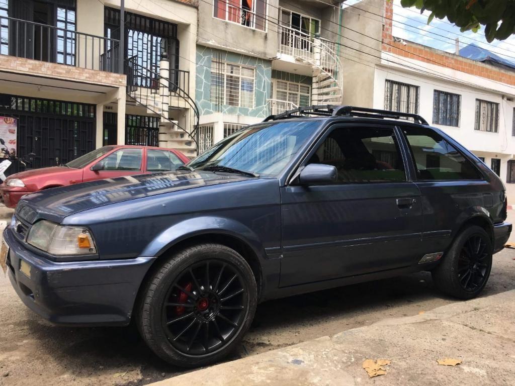 Vendo O Cambio Excelente Mazda 323 Coupe