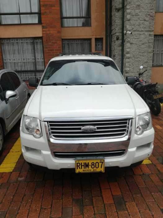 Ford Explorer 2010 - 110000 km