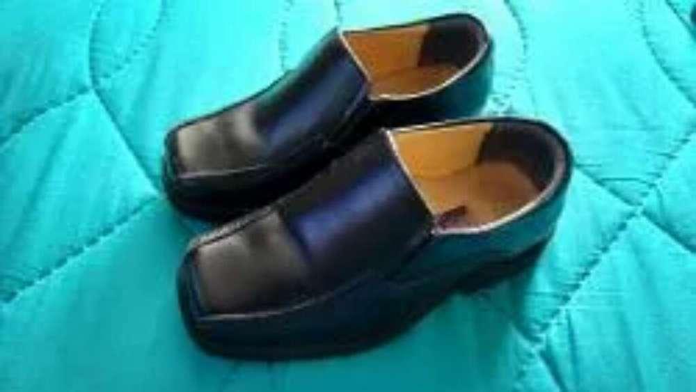 Zapatos de Vestir Cuero Talla 24