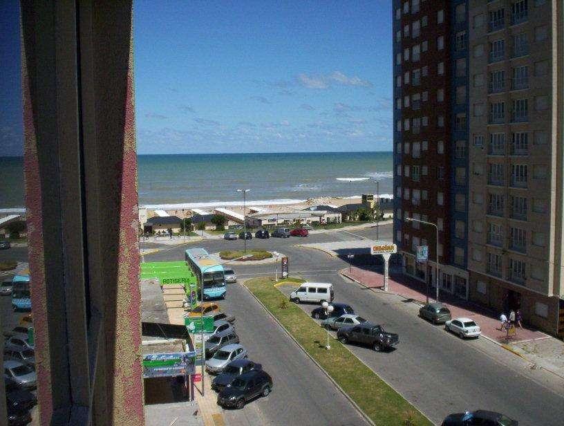 2020 Temporada Miramar. Vista al mar y al Boulevard Mitre. Hermoso departamento.