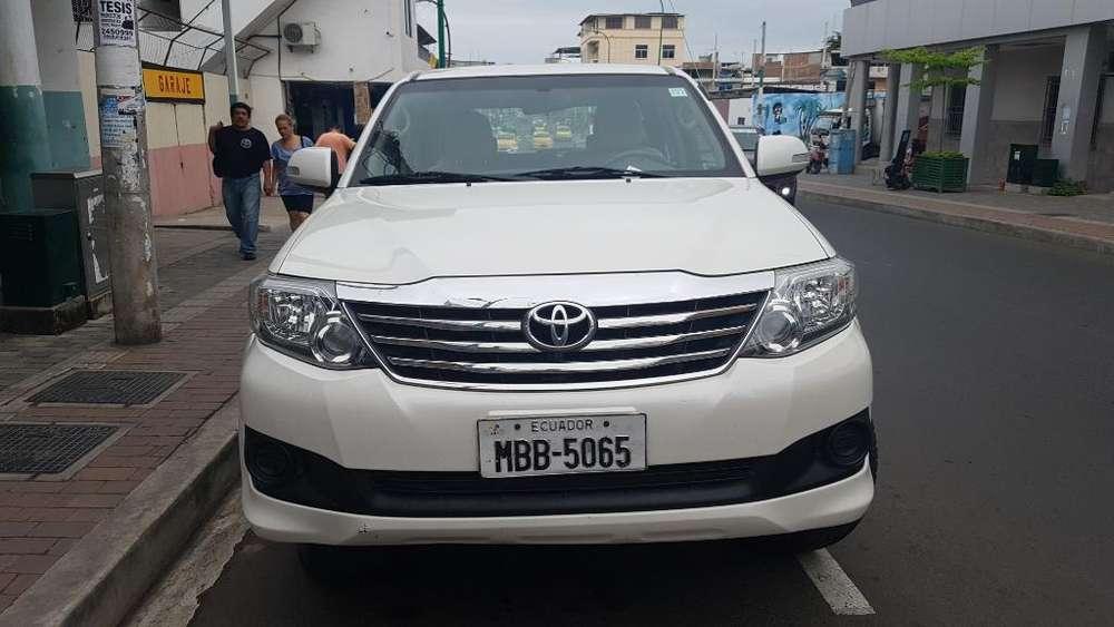Toyota Fortuner 2013 - 130000 km