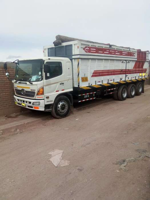 Camion HINO 2626 del Ao 2011