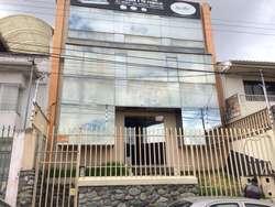 ¡¡¡DE OPORTUNIDAD!!!! Vendo Edificio Comercial en la Av. Abelardo J. Andrade