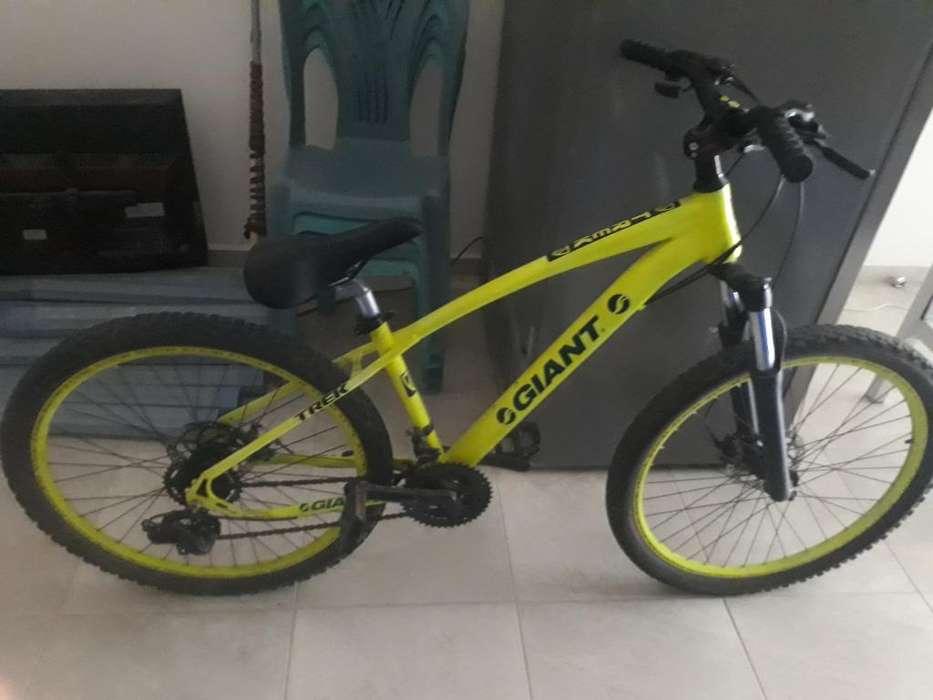 Vendo Bicicleta Color Fluorescente Aro26