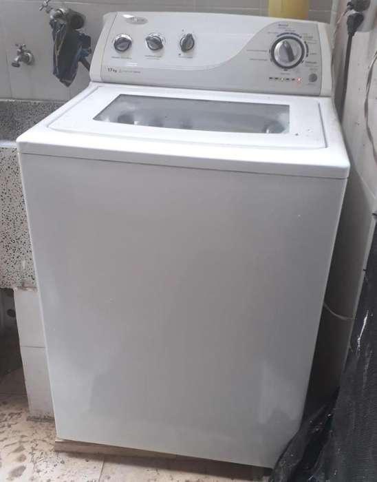 Se vende lavadora perfecto estado 17 kilos