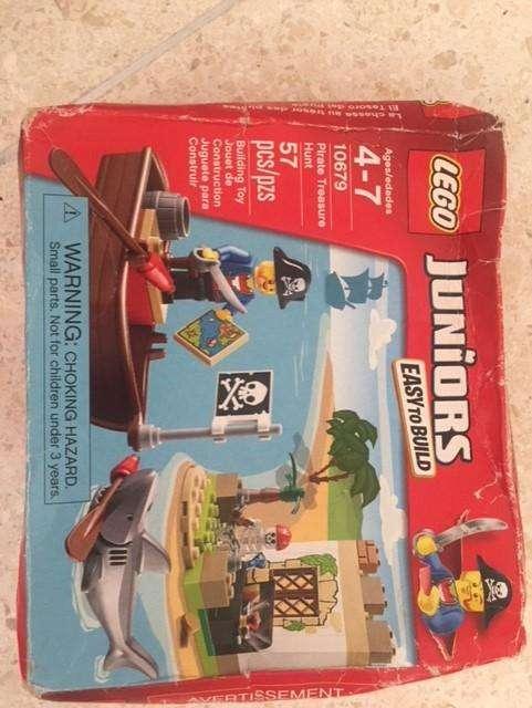 Lego Juniors Pirate Treasure Hunt
