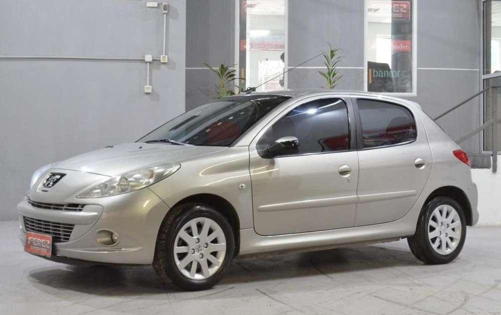 Peugeot 207 Compact 2010 - 116000 km