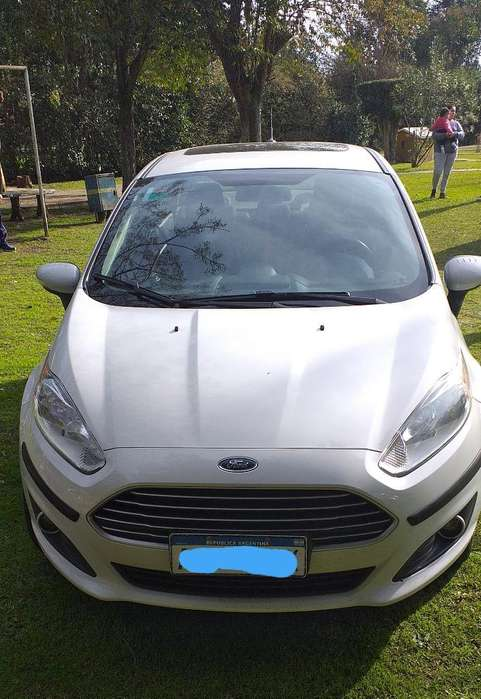 Ford Fiesta Kinetic Sedán 2016 - 38000 km