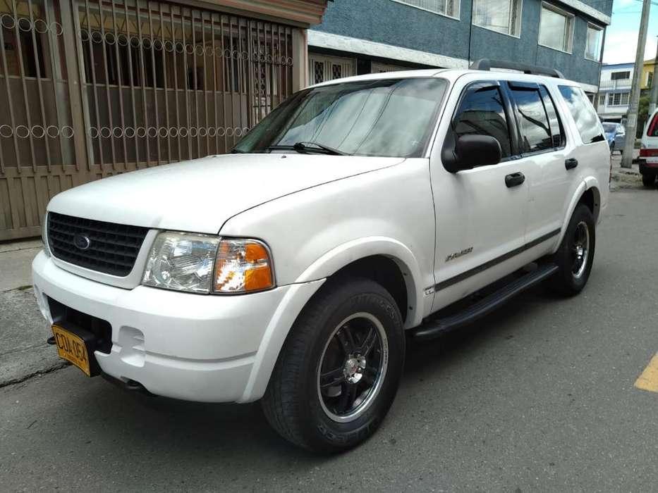 Ford Explorer 2005 - 153000 km