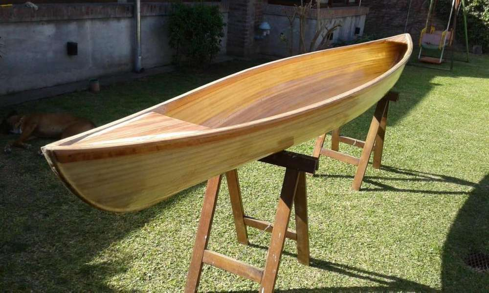 Piragua, Canoa de madera Marca: La Burra Rosa