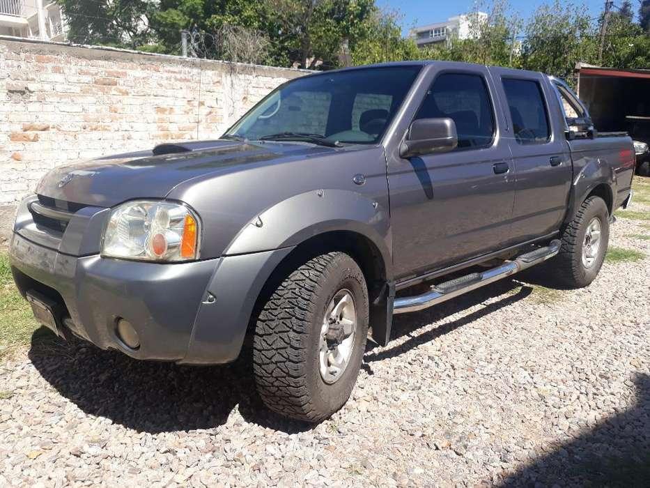 Nissan Frontier 2007 - 250000 km