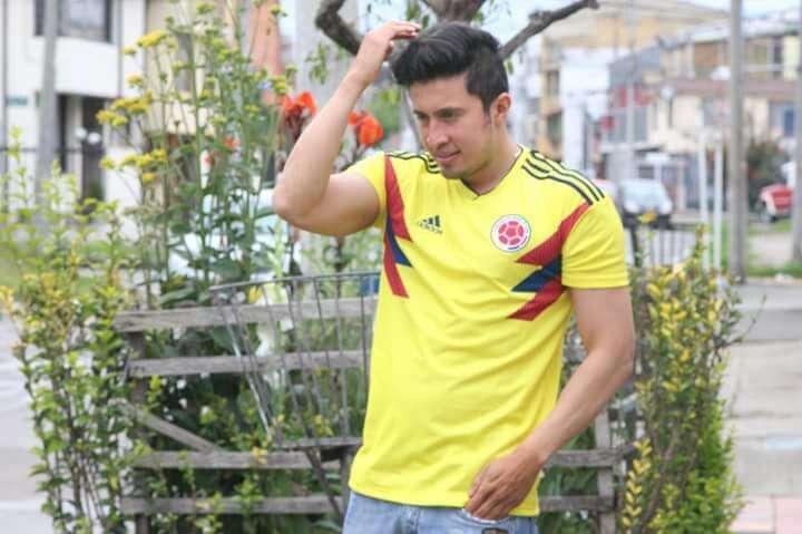 Camiseta Selección Colombia 100 Original Hombre Liquidación