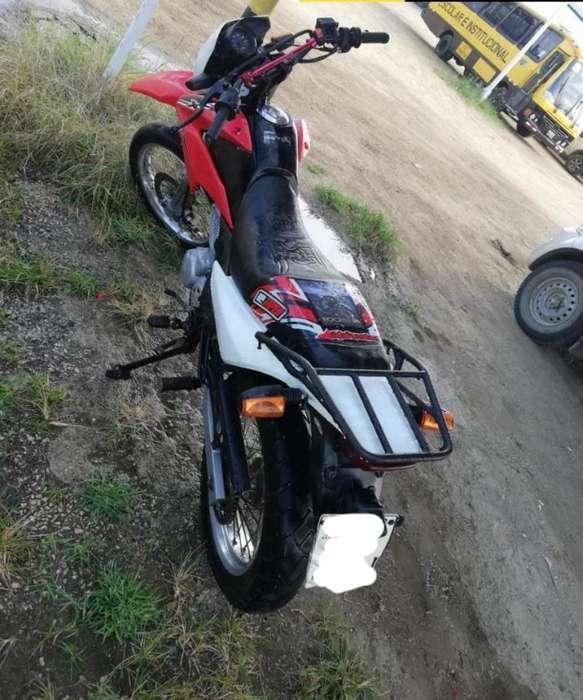 Vendo Moto <strong>honda</strong> Xr150l