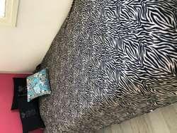Colchon resortes  plaza y media con cama