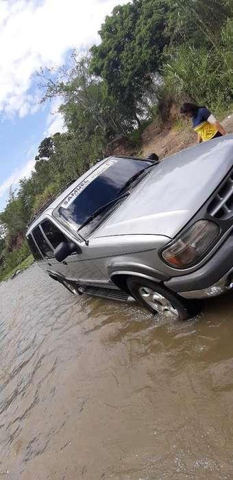 Ford Explorer 2000 - 265 km