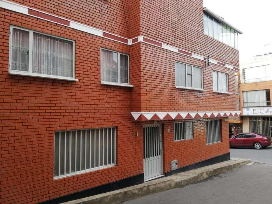 Se arrienda <strong>casa</strong> central en Tunja para uso Institucional, Tres pisos