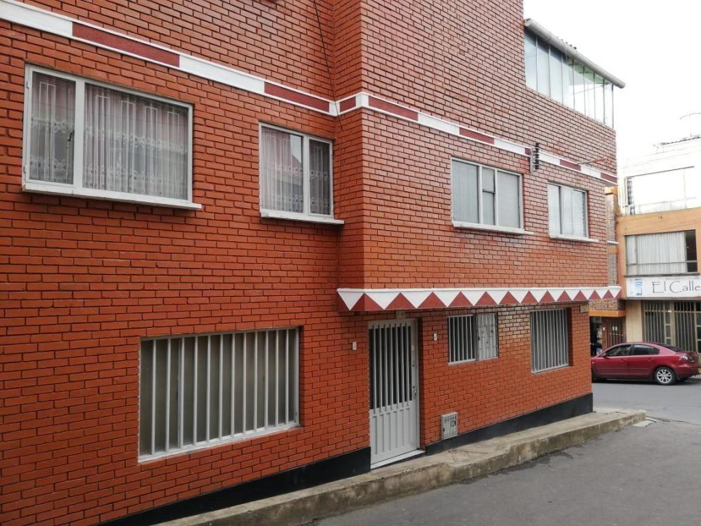 Se arrienda casa central en Tunja para uso Institucional, Tres pisos