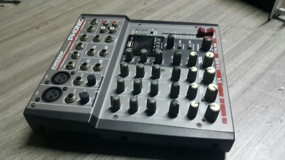 Consola Phonic 6 Canales