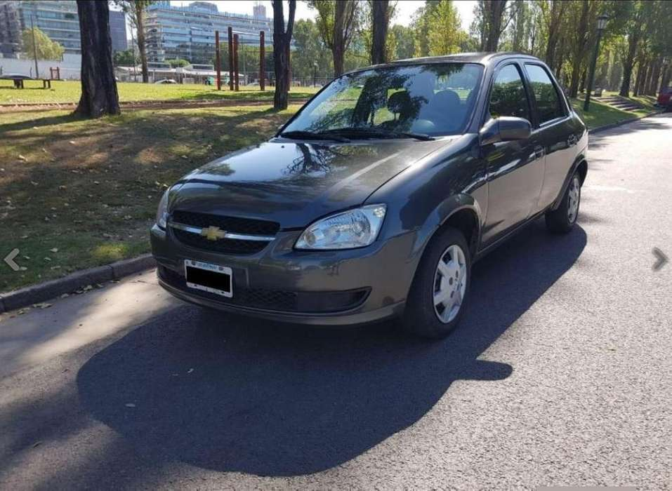 Chevrolet Classic 2015 - 100000 km