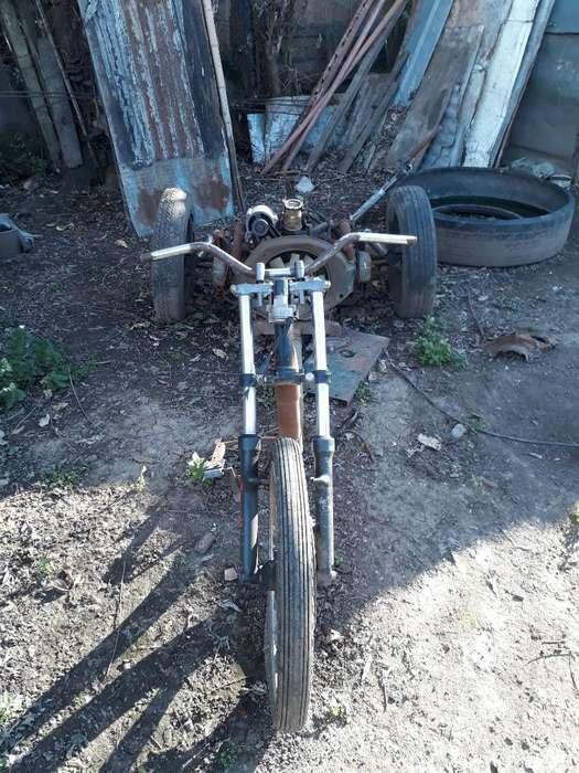 Vendo Triciclo a Terminar
