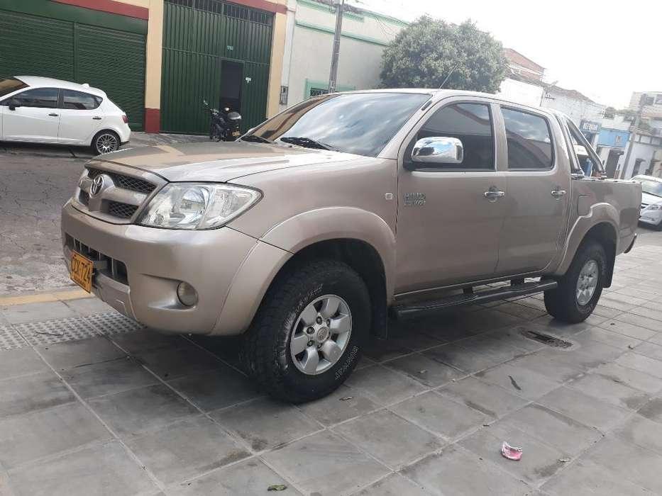 Toyota Hilux 2006 - 131000 km