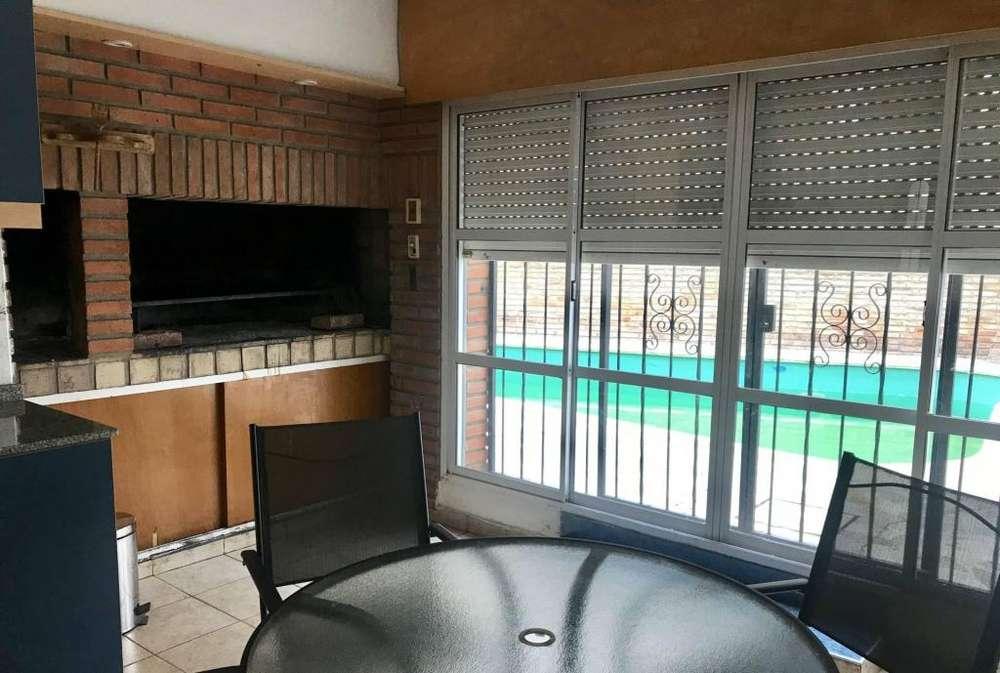 cg23 - Chalet para 4 a 10 personas con pileta y cochera en Villa Carlos Paz