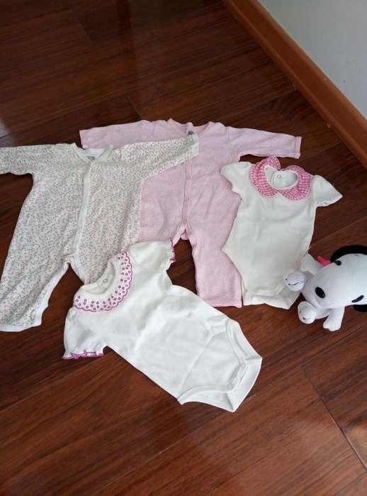Pijamas y body de bebe