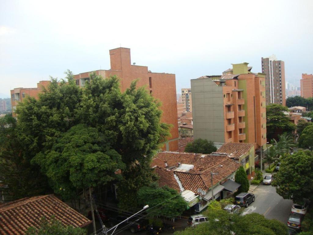 Vendo apartamento de 3 alcobas en Laureles  - wasi_1373717