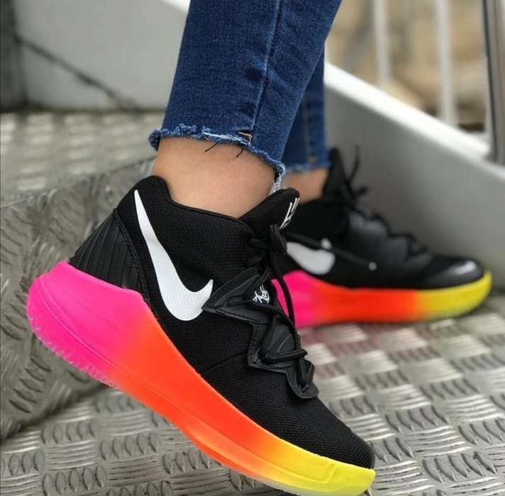 Nike Favor Color de Dama