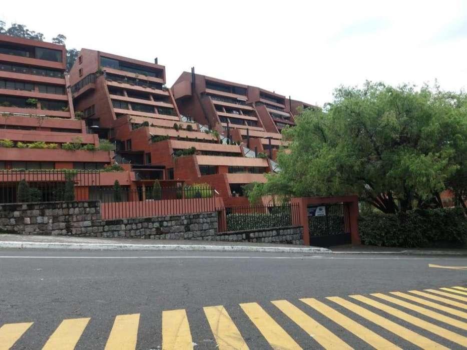 Venta de Hermoso departamento en Colinas del Pichincha
