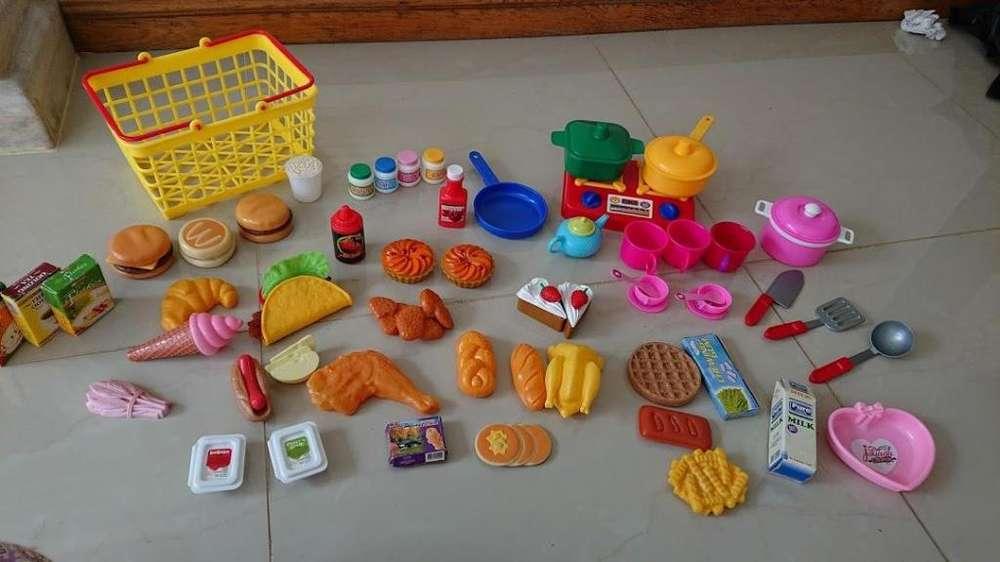 Vendo caja registradora con accesorios de juguete en buen estado