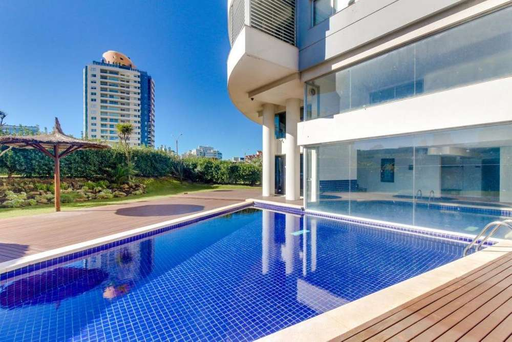 Dep. South Beach, Punta Del Este,3 Dorm,2 baños,coch.100 m2.