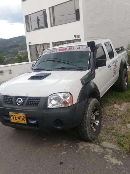 Nissan Frontier 2007 - 305000 km