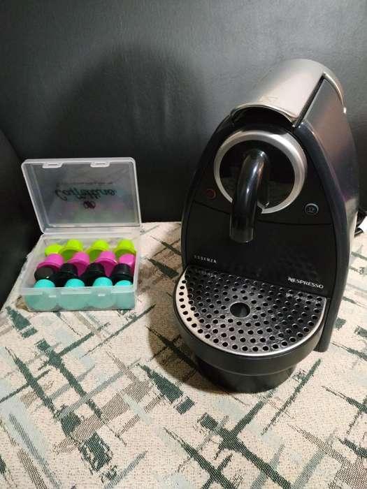Cafetera Nespresso Essenza C92 Suiza 12 Capsulas Recargables