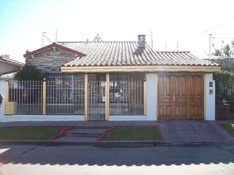 Chalet en venta en Bernal Centro