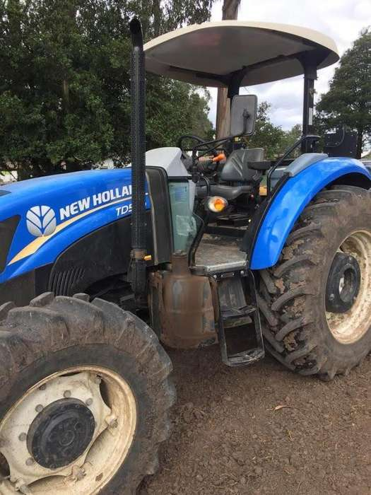 TRACTOR NEW HOLLAND CASI NUEVO TD5 100