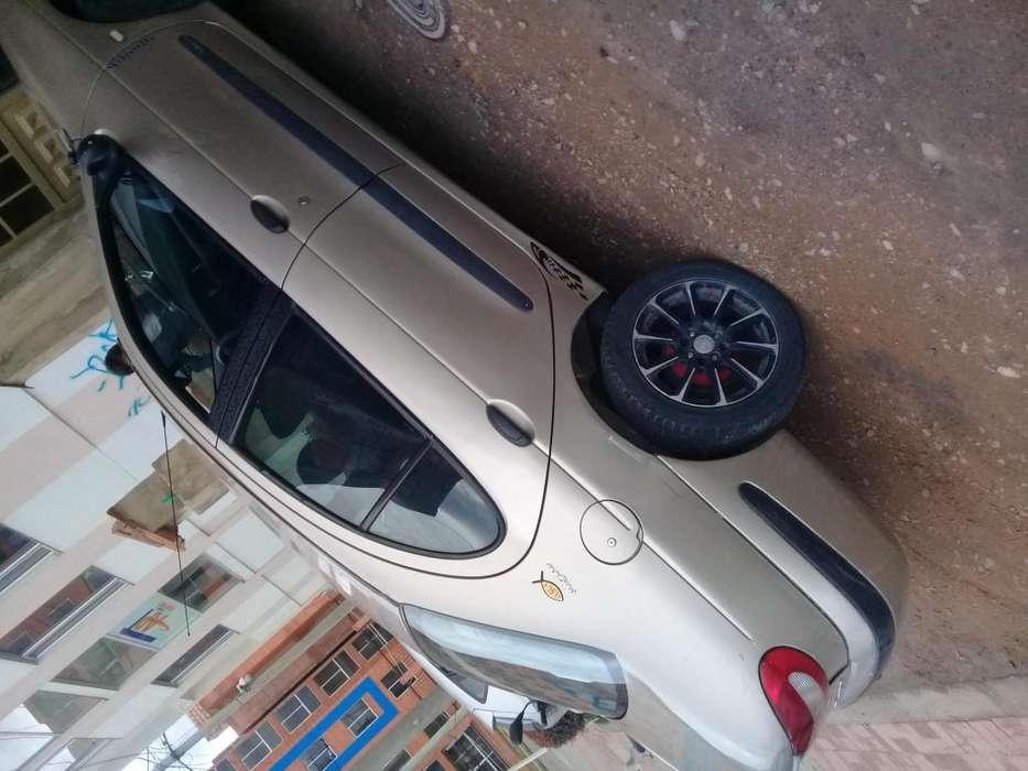 Renault Megane  2002 - 245000 km