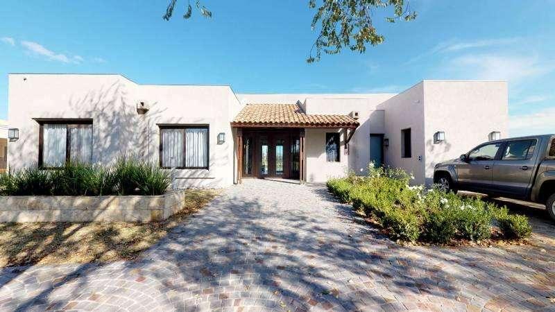 Excelente Casa en venta en Estancias del Pilar - Mallmann Propiedades