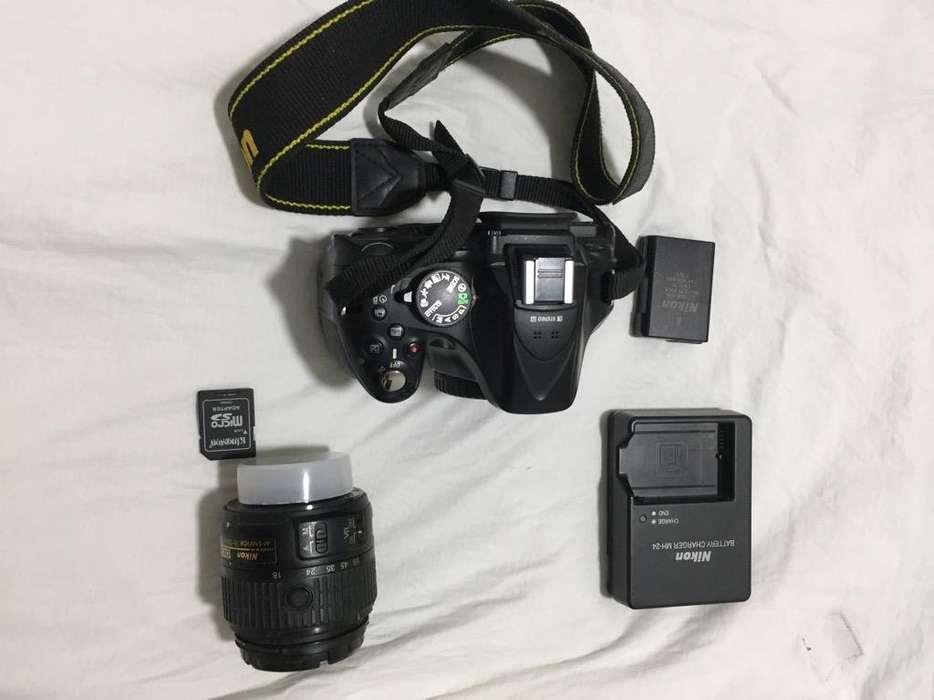 Camara Nikon D5200