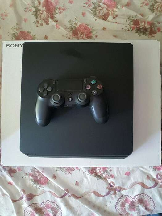 Se Vende Play 4 Slim de Un 1 Tera Byte