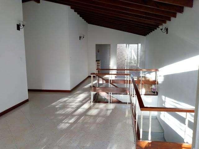 ARRIENDO DE CASA EN CALASANZ CENTROCCIDENTAL MEDELLIN 692-3337