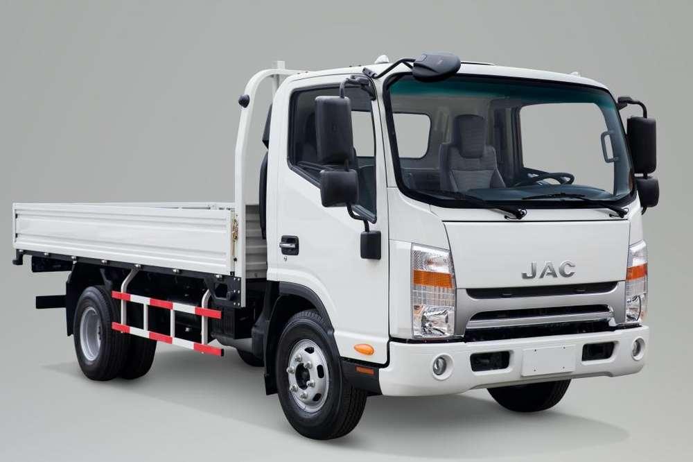 Camión JAC 5 Toneladas con Baranda VIP Euro 4 Serie N - SD400 N BAR E4 VIP - MAX FORCE