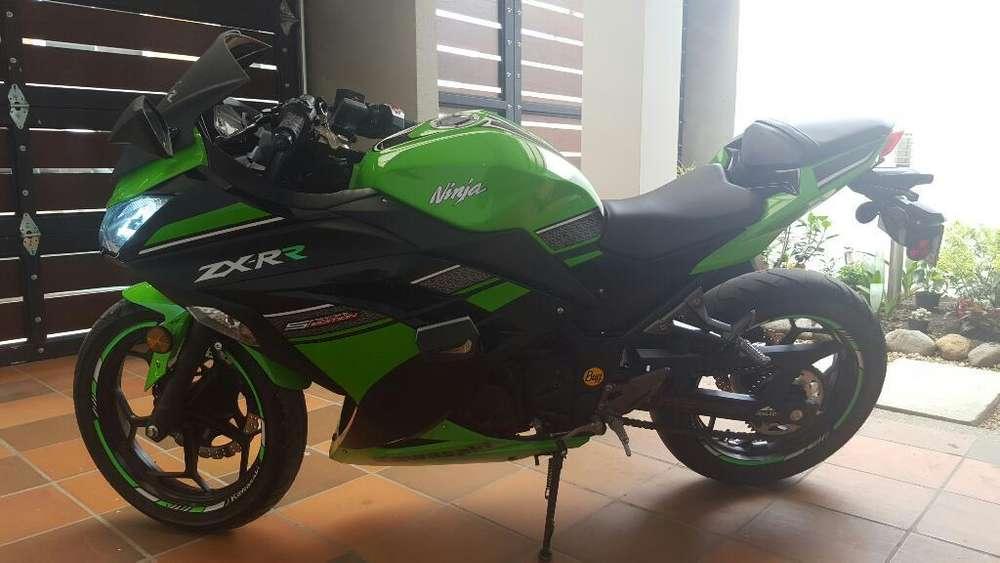 Kawasaki Ninja 300 Modelo 2015