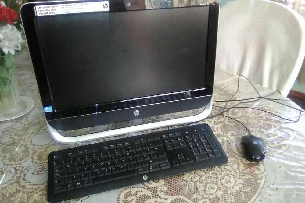 Computadora: Desktop HP All-in-One 20 EN PERFECTO ESTADO