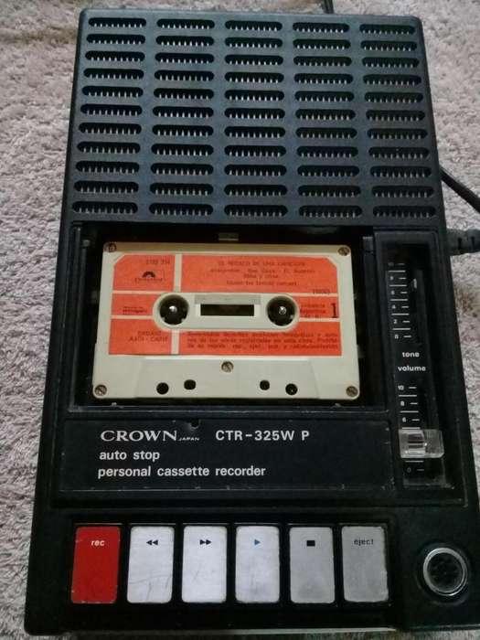 Reproductor de casette y grabador Crown CTR-325W P. Vintage (de colección) 1970. FUNCIONANDO.