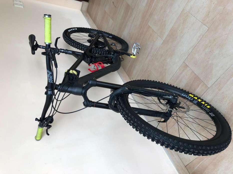 <strong>bicicleta</strong> CANYON STRIVE7 MONTAÑA ENDURO DOWNHILL CARBON