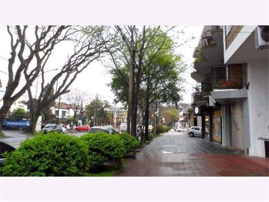 Alquiler Local en dos Plantas Zona Residencial Av.Libertador Apto Varios Rubros Buen Estado