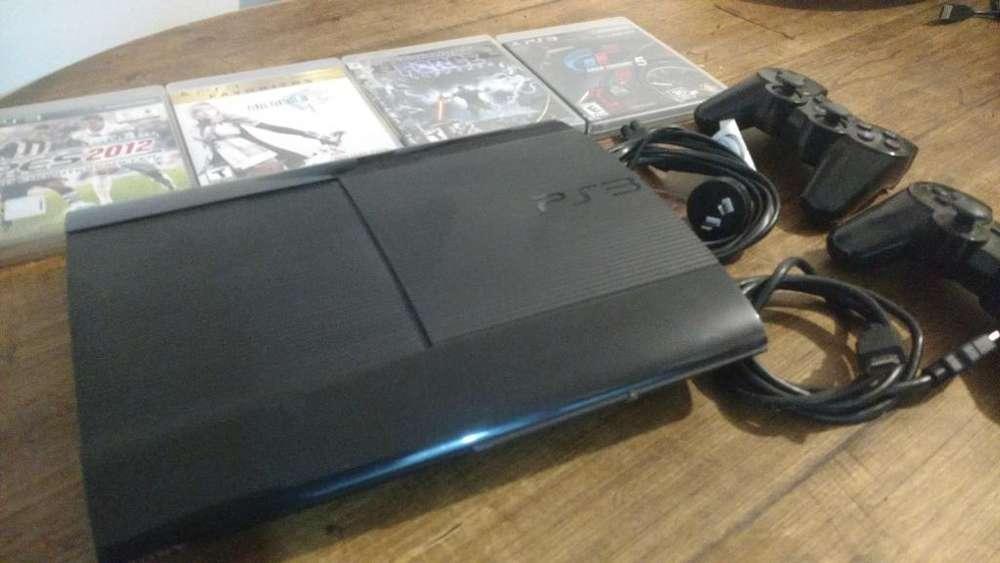 Vendo Ps3 300 Gb con 4 Juegos Físicos